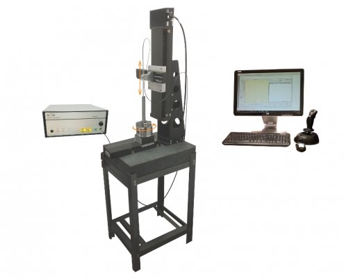 The TubeInspect system comes with a Microcam-3D/-4D interferometer, an inspection station, and a PC